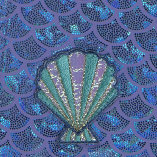8120A Mermaid Bib Material Close up Shell